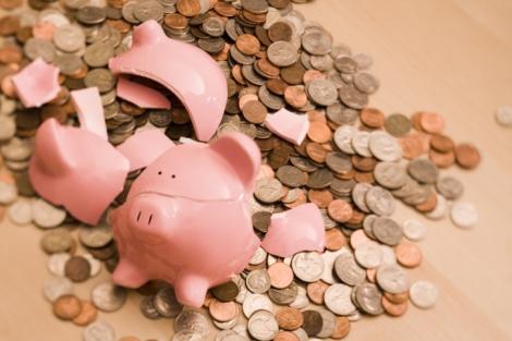 78465559-Broken-piggy-bank